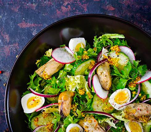 Рецепт: Салат із маринованих мідій